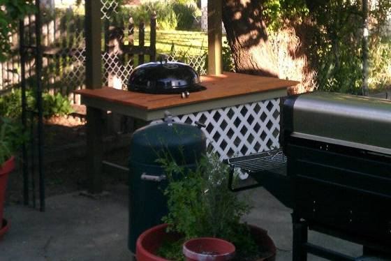 5. DIY Grill Table