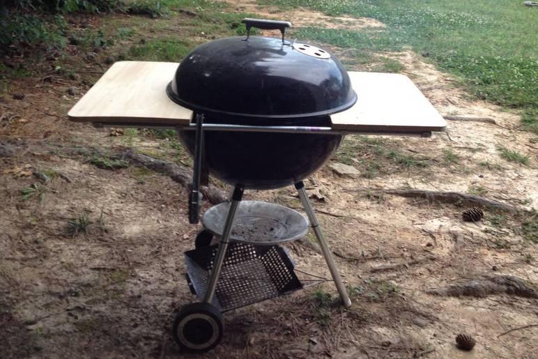 6. DIY Weber Grill Table