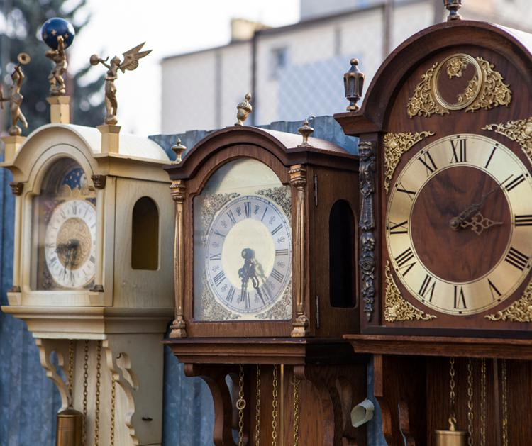 The Amazing History of Grandfather Clocks03