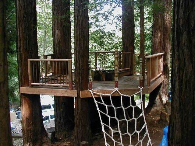 1. DIY Treehouse Build