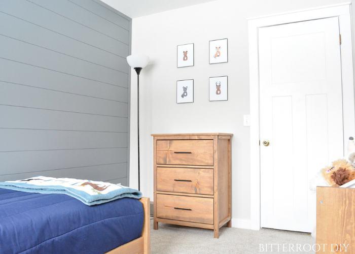 10. DIY 3 Drawer Dresser