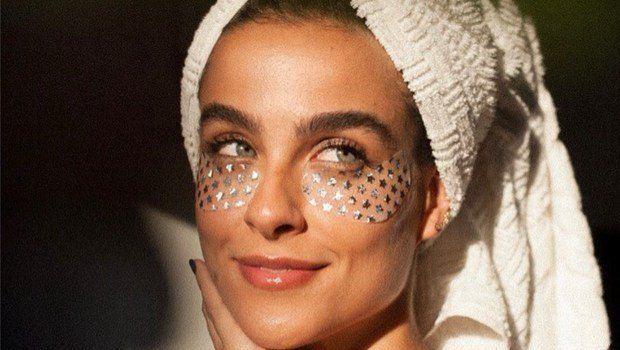 15. Natural Girly Eye Masks