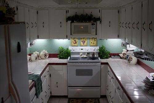 17. Inexpensive DIY Under-Cabinet Lighting
