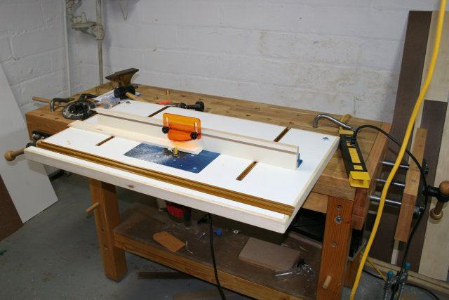 19. Bench-Mounted Router Table DIY