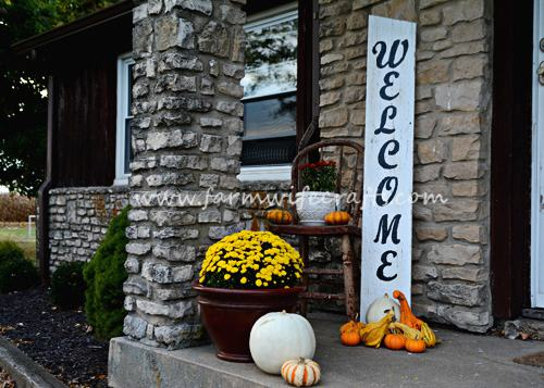 19. DIY Welcome Porch Sign