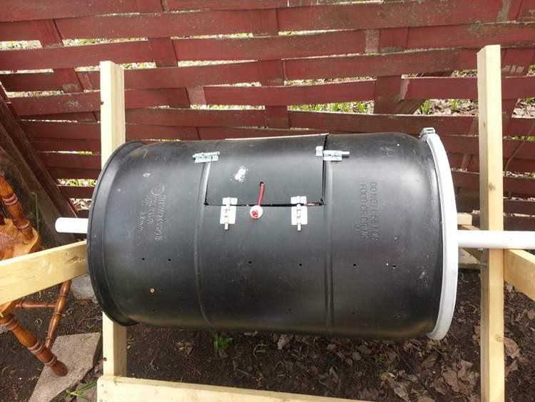 20. DIY Garden Compost Bin