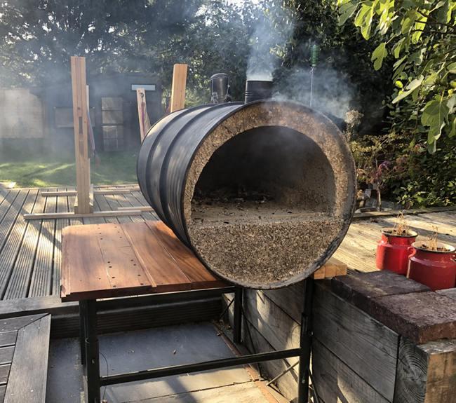 23. Oil Drum Pizza Oven DIY