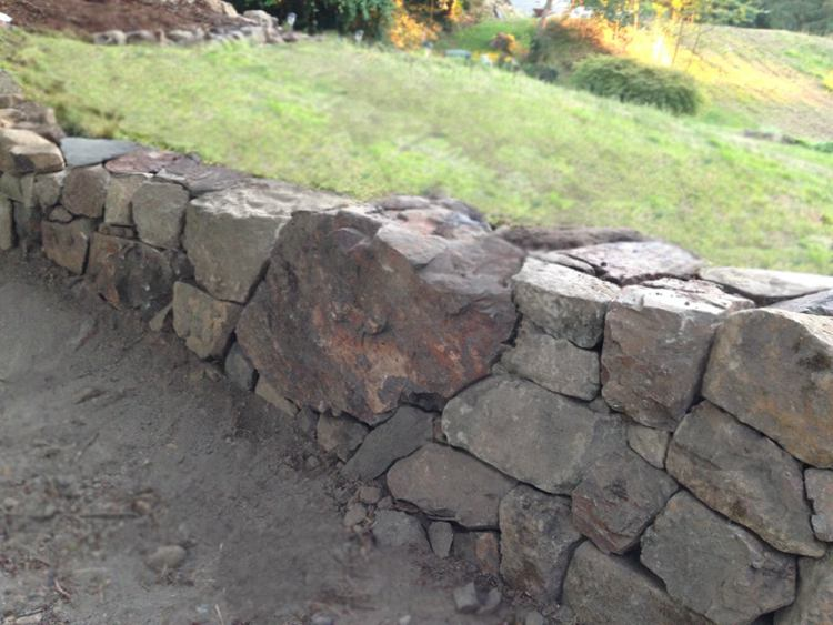 24. Natural Dry Stacked Stone Wall - DIY Retaining Stone Wall