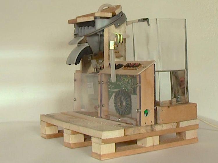 25. DIY Pallet Coffee Machine