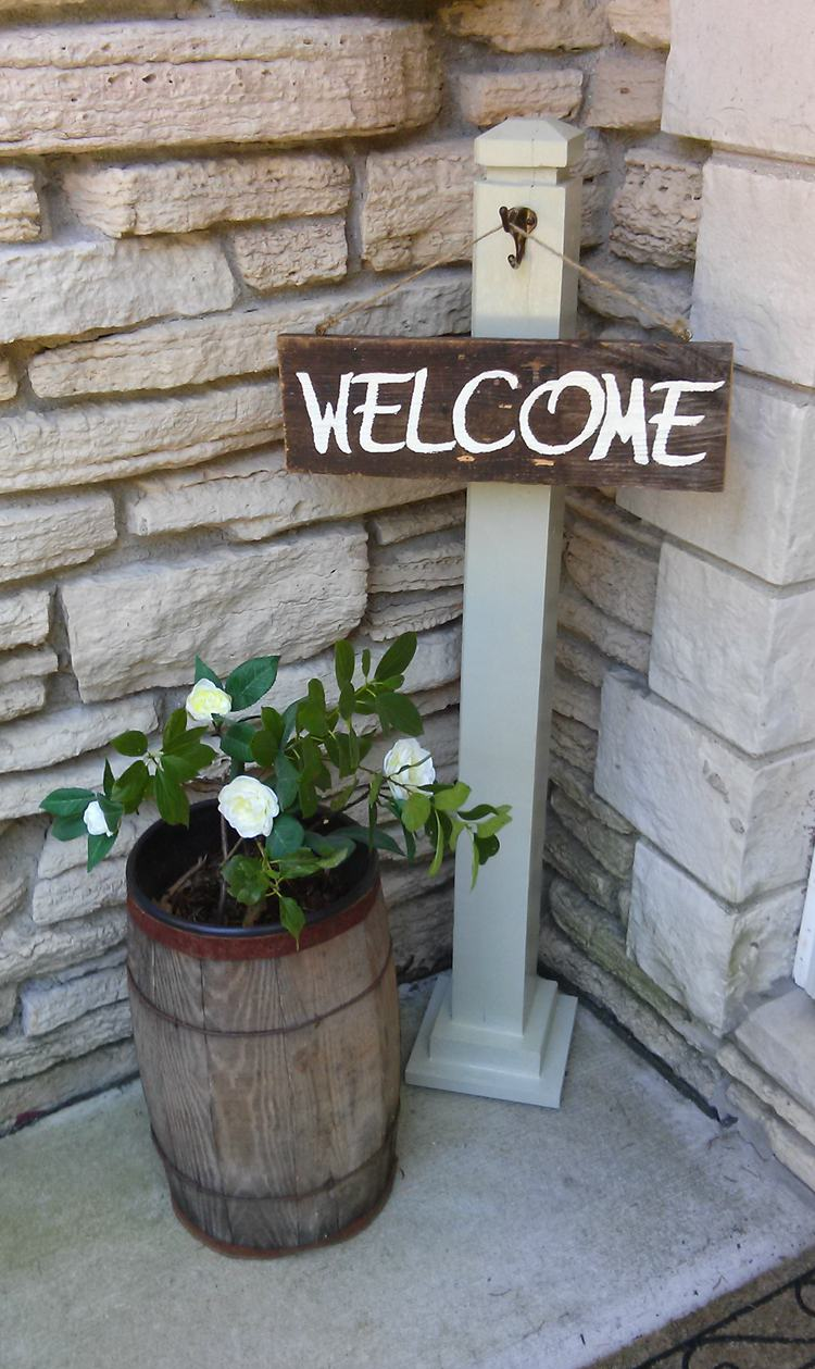 3. Front Porch Welcome Sign DIY