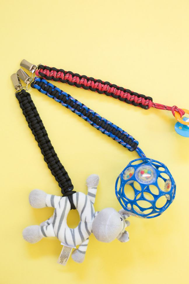 38. Paracord Baby Toy Clip