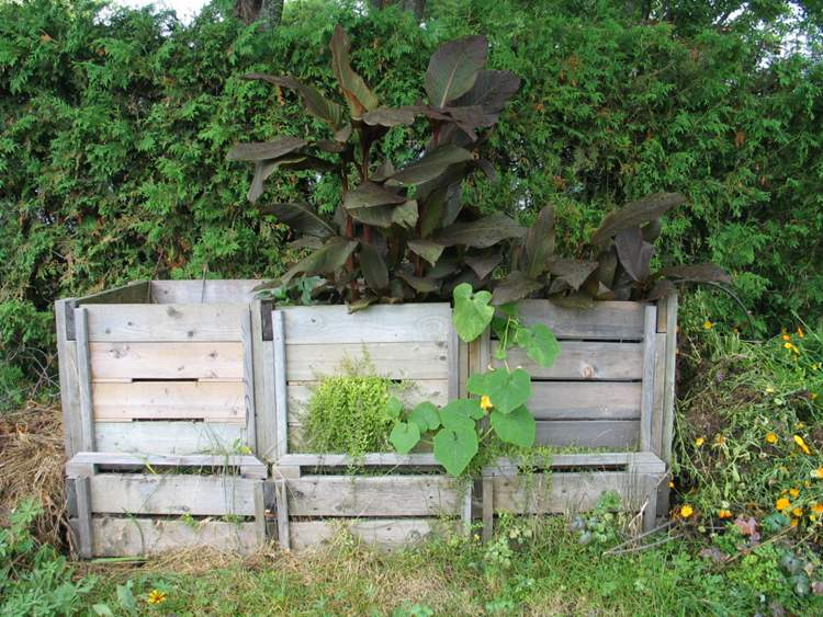 4. DIY Triple Compost Bin