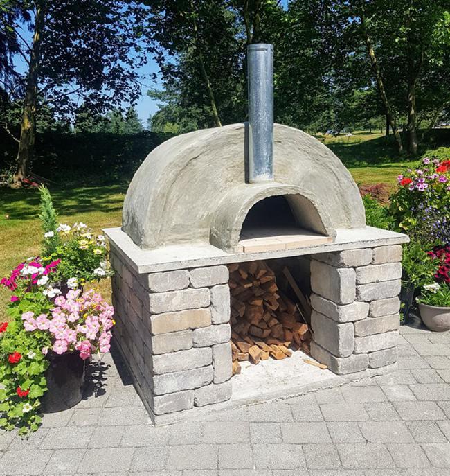 6. DIY Outdoor Pizza Oven