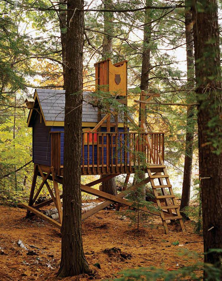 9. DIY Free Tree House Wood Plans
