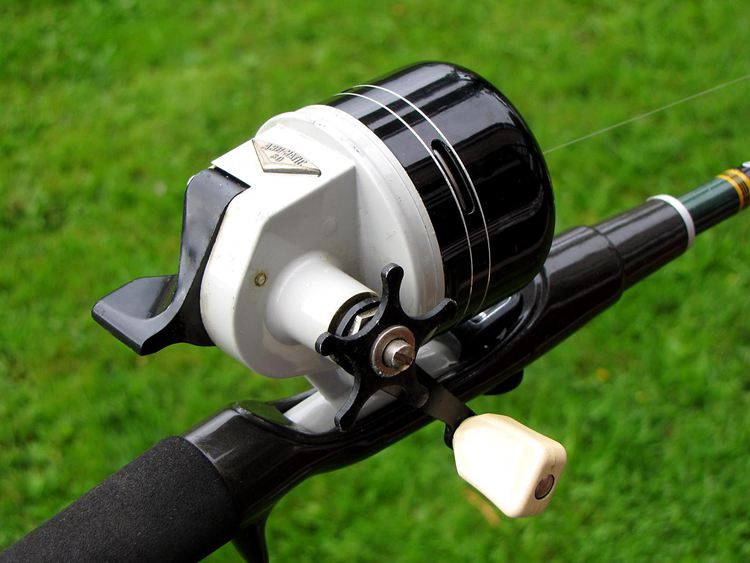 How To Hold A Fishing Rod-4