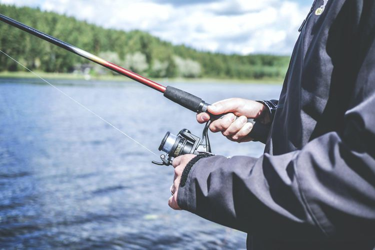 How To Hold A Fishing Rod-5