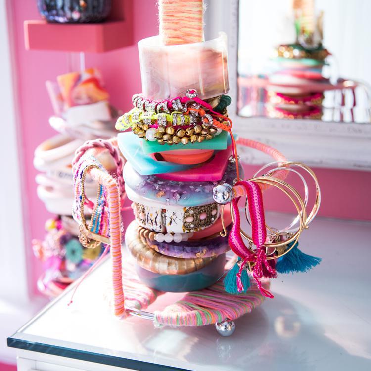 Tiffany Pratts DIY Bracelet Holder